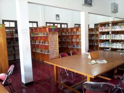 interior perpustakaan sukabumi